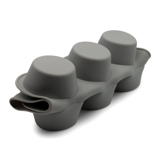Platzsparendes Muffinblech in gefalteter Form