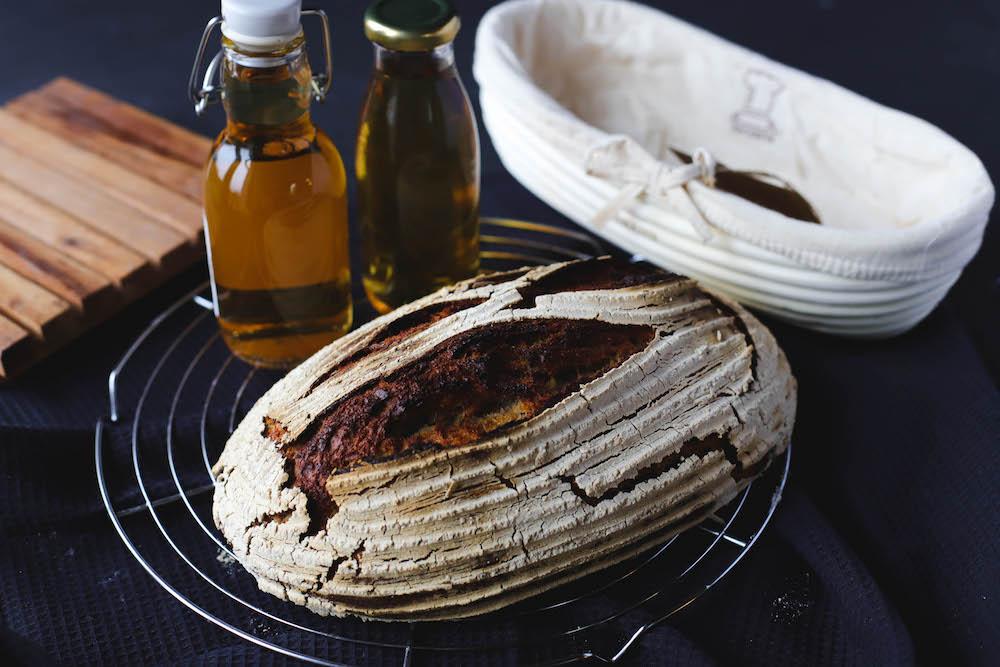 Apfelessig für Brot im Gärkorb von Backefix