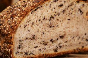Luftkammern im Brot