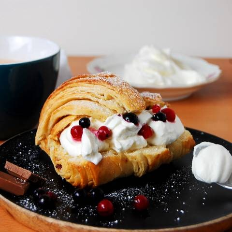 Belegter Croissant