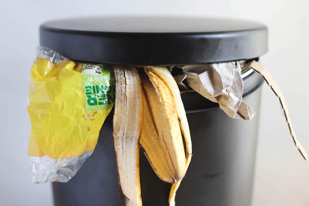 Plastikmüll Biomüll und Papiermüll