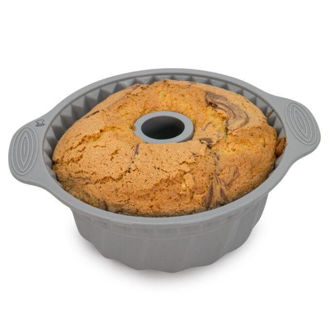 Kuchen gebacken in Gugelhupfform