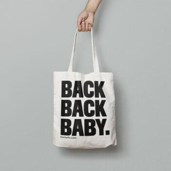 Hand trägt Baumwolltasche Motiv Back Back Baby